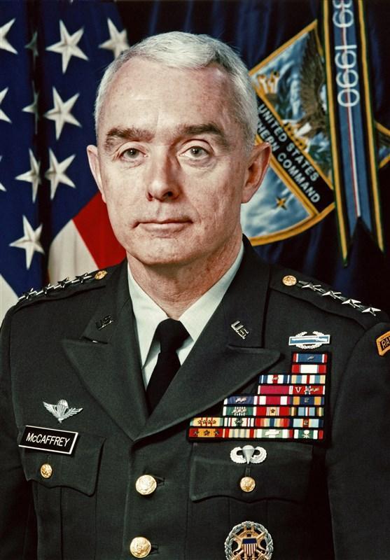 ژنرال بازنشسته آمریکایی: سیاست ترامپ در سوریه مصداق دزدی است