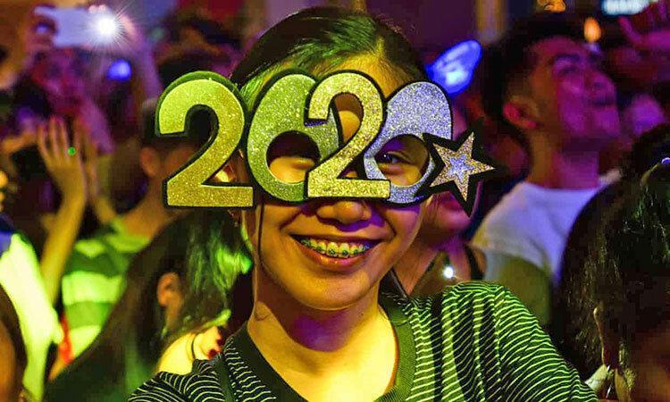 تکرار تاریخ آینه ای پس از 900 سال ، مردم دنیا 02، 02، 2020 را جشن گرفتند