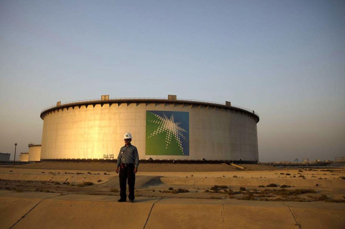 تاخیر آرامکو در اعلام قیمت فروش نفت در پی طولانی شدن مذاکرات اوپک پلاس