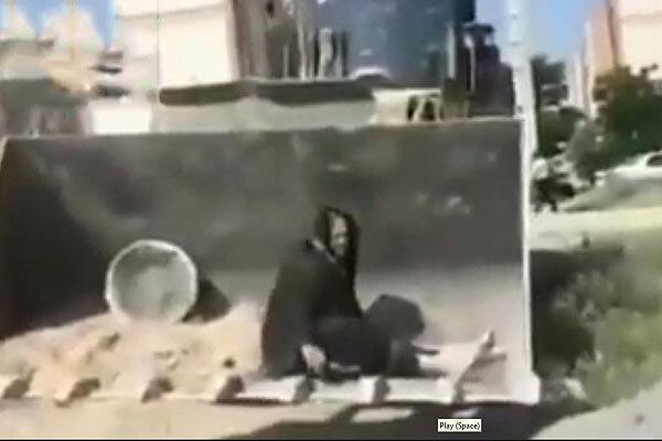 فیلم و عکس ، مرگ یک زن هنگام تخریب خانه اش توسط ماموران شهرداری کرمانشاه ، واکنش دادستان