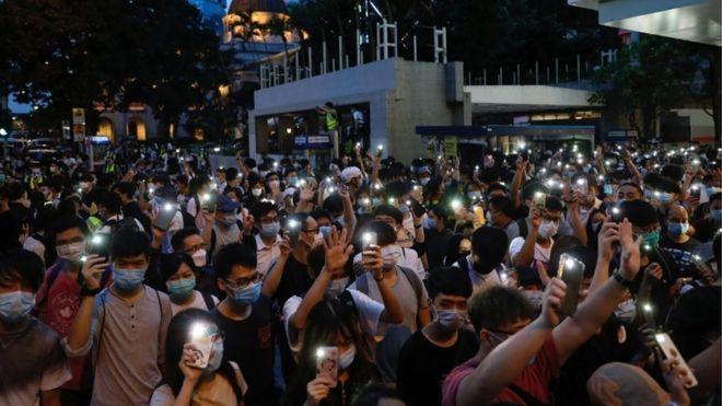 فیس بوک، واتس اپ و تلگرام: اطلاعات کاربران را به هنگ کنگ نمی دهیم