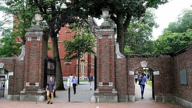 هاروارد و ام آی تی از دولت آمریکا شکایت کردند