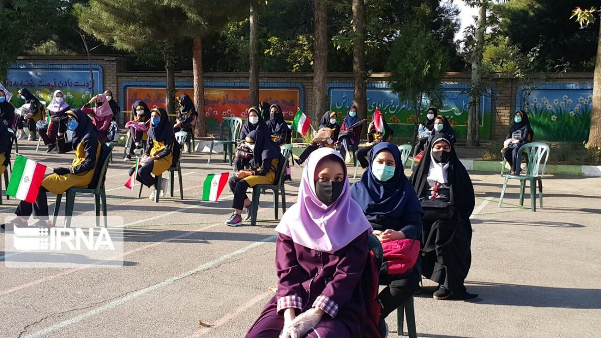 خبرنگاران فرماندار: فضای ایمن برای تحصیل دانش آموزان ملایری مهیا است