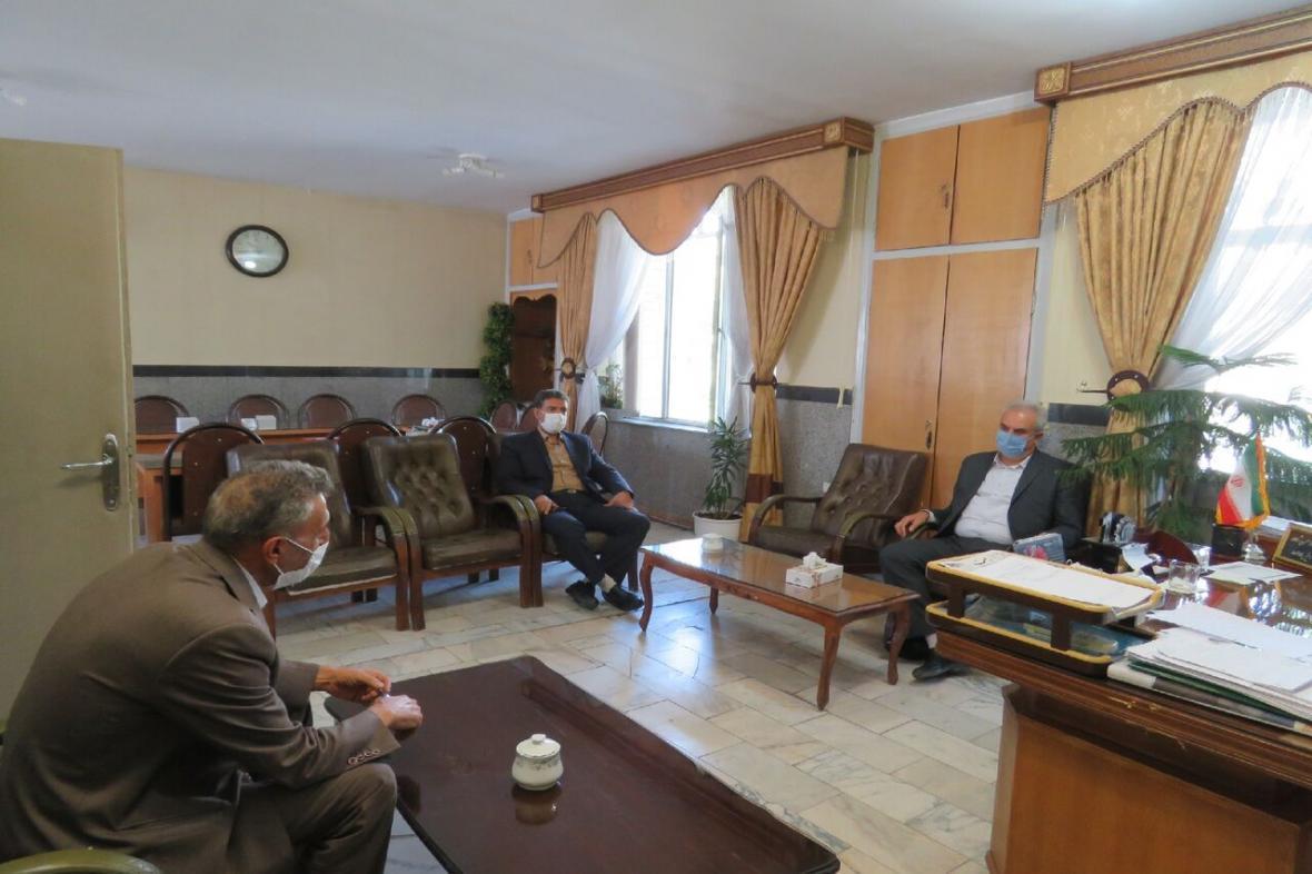 خبرنگاران فرماندار مراغه بر تشدید بازرسی ها در بازار تاکید کرد