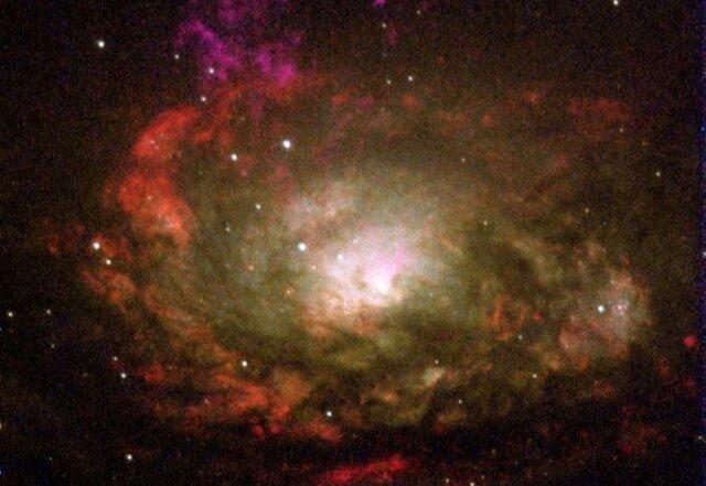 کهکشانی که میزبان یک سیاه چاله غول پیکر است