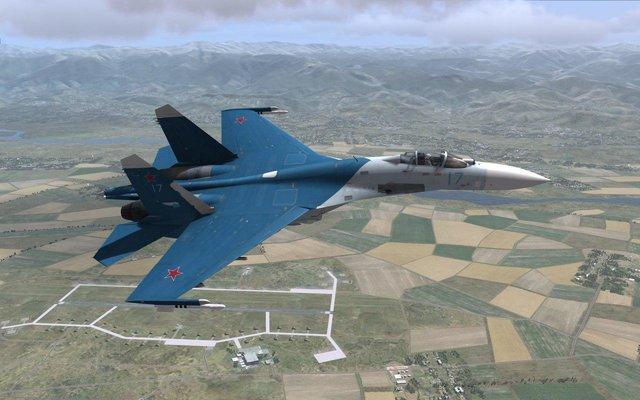پرواز سوخو 27 روسیه برای مقابله با هواپیمای جاسوسی آمریکا بر فراز دریای سیاه