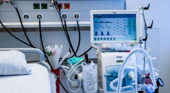 خبرنگاران 13 دستگاه ونتیلاتور به دانشگاه علوم پزشکی لرستان اهدا شد