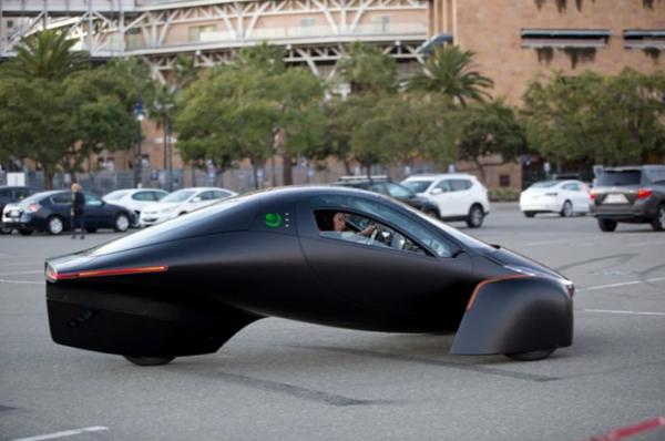 آپترا؛ خودرو خورشیدی که شارژ لازم ندارد
