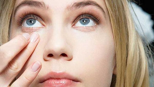 علت پف زیر چشم چیست؟ آیا نشان دهنده وجود بیماری است؟