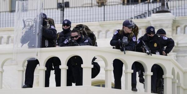 خبرنگاران ده ها پلیس ساختمان کنگره آمریکا به کرونا مبتلا شدند