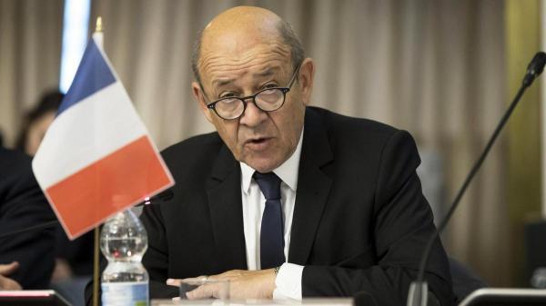 پاریس: 184 افغانستانی را همراه با 25 فرانسوی از افغانستان خارج کردیم